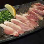 ひな鶏唐揚 新次郎 - 丹波地鶏の塩ももたたき800円