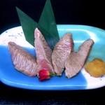 天狗鮨 - かまとろ炙り(1,620円)