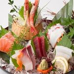 新やるき茶屋 - 漁港から直送の魚介を使った刺身!