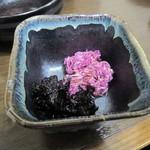 そば処美良 - 「もってのほか」「岩海苔の酢の物」