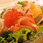 CHICHUKAI UOMARU - イクラやウニなどを沢山使用した絶品のサラダ