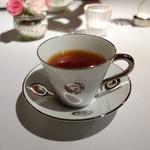 レストラン カズ - 紅茶。ティーカップがベルナルド♡