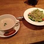 ハンバーグファクトリー - スープとサラダ