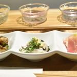 22796060 - 珍味3品:左からつぶ貝、鰊、生ハムヤングコーン