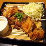 TAMAMIYA - 弁当は二段のお重で、この下にご飯が入っている