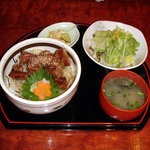 さくら - 和牛ステーキ丼(全体)