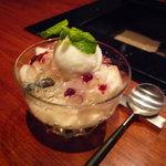 なか田 - ☆幸水梨とミルクのシャーベット&ブランマンジェ…ブルーベリーソース☆