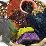 いち川 - 前菜:菊花博多押し・椎茸真蒸・ロージ・柿サーモン寿司など