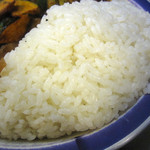 22802736 - ライスは日本米を固めに炊いたもの。