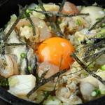 手羽唐屋 旦八 - 【石焼海鮮ごはん】カキや魚介類を贅沢に使った名物メニュー。