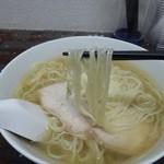 嘉瀬のラーメン家 - 細いストレート麺