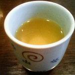 大観亭支店 - まずお茶が出てきますねー