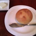 22810061 - 自家製パンは素材本来のお味