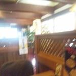 インター伊吹 - テーブル席側