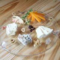 ガーラキッチン - 10種類以上のチーズを食べ比べしてみてくださいね☆