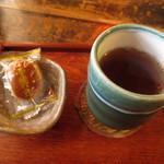 門前茶屋おもろ庵 - 栗饅頭&ほうじ茶