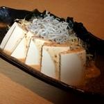 22813265 - 豆腐とじゃこのヘルシーサラダ