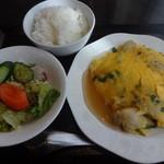 桃杏樓 - 牡蠣ニラ玉(塩味)定食:980円