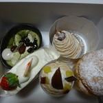 カロメリア - 料理写真:ケーキたち