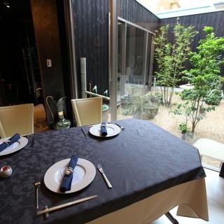 純和風の個室からヨーロピアンな個室まで多数ございます。