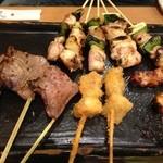 秋吉 - ねぎま、焼きトン、タン塩、串揚げ