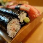 おけさ寿司 - こちらの名物おけさ巻き!