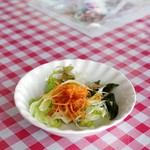 ウエダ - トマトガーリックドレッシングのサラダ