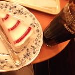 ドトールコーヒーショップ - ラズベリー&アイスコーヒー。