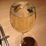 なみなみグラススパークリングワイン(800円)2013年11月