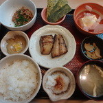 大戸屋 - ほっけ焼きの朝定食:470円