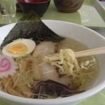 カフェテリア でこぼこ - 料理写真:会津山塩ラーメン\1,000