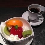 一魚一会 - デザートはフルーツとジェラート&コーヒー
