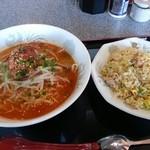上海麺餃王 - 担々麺と炒飯のセット