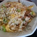 上海麺餃王 - この量で半炒飯