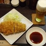 成蔵 - 『霧降高原豚特ロースかつ(単品)』(1800円)と『生ビール(エビス)』(500円)~♪(^o^)丿