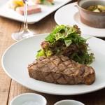 トバゴ カフェアンドバー - ブランドポーク三元豚のボリュームたっぷりステーキ!接待にも人気のメニュー