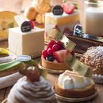 トバゴ カフェアンドバー - パリで修行したパティシエが作るケーキたちは華やかで美味しい!