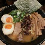 豚骨醤油ラーメン太善 - 味玉ラーメン(820円)にメンマ(150円)