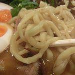 豚骨醤油ラーメン太善 - 麺アップ