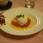 赤坂 四川飯店 - 杏仁アイス・マンゴーエスプーマです。