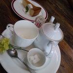 2284793 - 紅茶とチーズケーキ