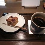 22843569 - コーヒーとパウンドケーキさのわ