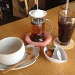 22850431 - 紅茶とアイスコーヒー☆