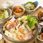 焼肉と韓国料理 葉山 - ほうとう鍋