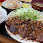 定食の店 ごんべ - 豚ロースみそ漬け焼き定食(ごはん小)