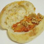 ビエル - 豚肉のトマト煮 粒マスタード(スリットを開いたところ、2013年11月)