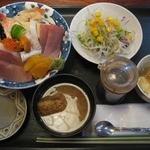 八千代 - 海鮮丼¥700