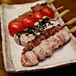 まるちょう - 串物にもこだわり、炭火でじっくりを焼き上げ素材のうま味をしっかり引き出す。
