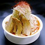 豚骨番長 - ラーメン赤+野菜マシ・脂マシ(730円)