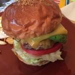 UNCHAIN FARM - ハンバーガーのアップ!なかなかのボリューム♪
